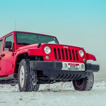 Jeep Rubicon driving on snow